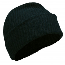 Плетена зимна шапка